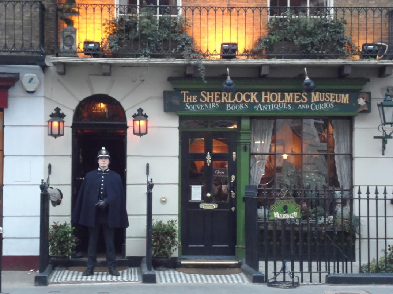 sherlock_holmes_museum_221b_baker_street